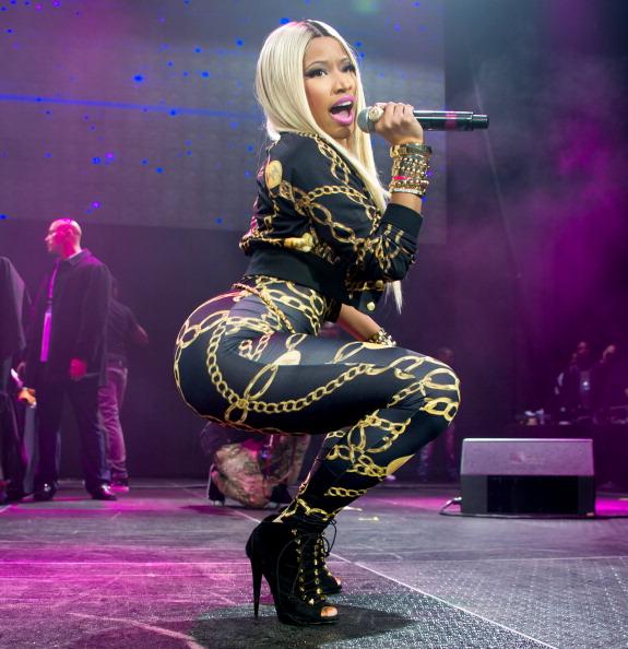 Nicki Minaj: des avantages et des arrièretages sur scéne