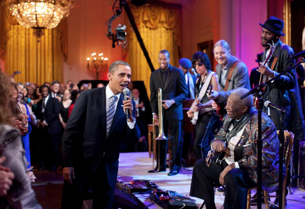 Barack is live
