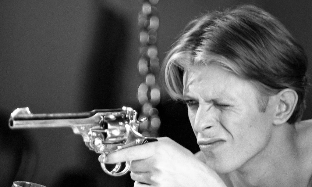 Bowie flingue