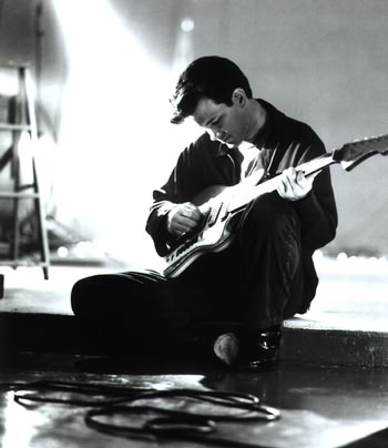 Chris Isaak in 1985