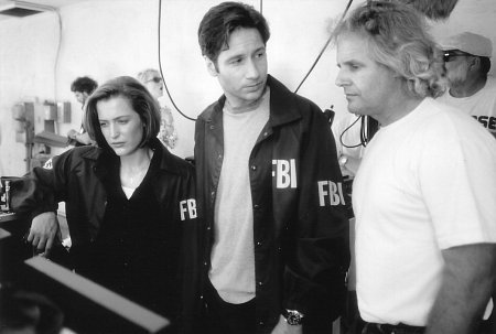 Anderson, Duchovny & Carter on the set