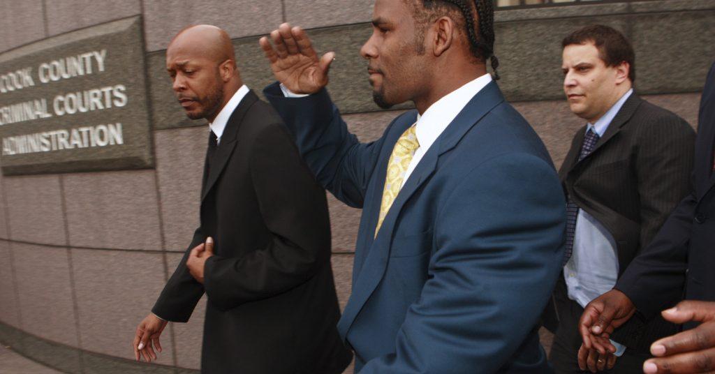 R Kelly chez les juges en 2008