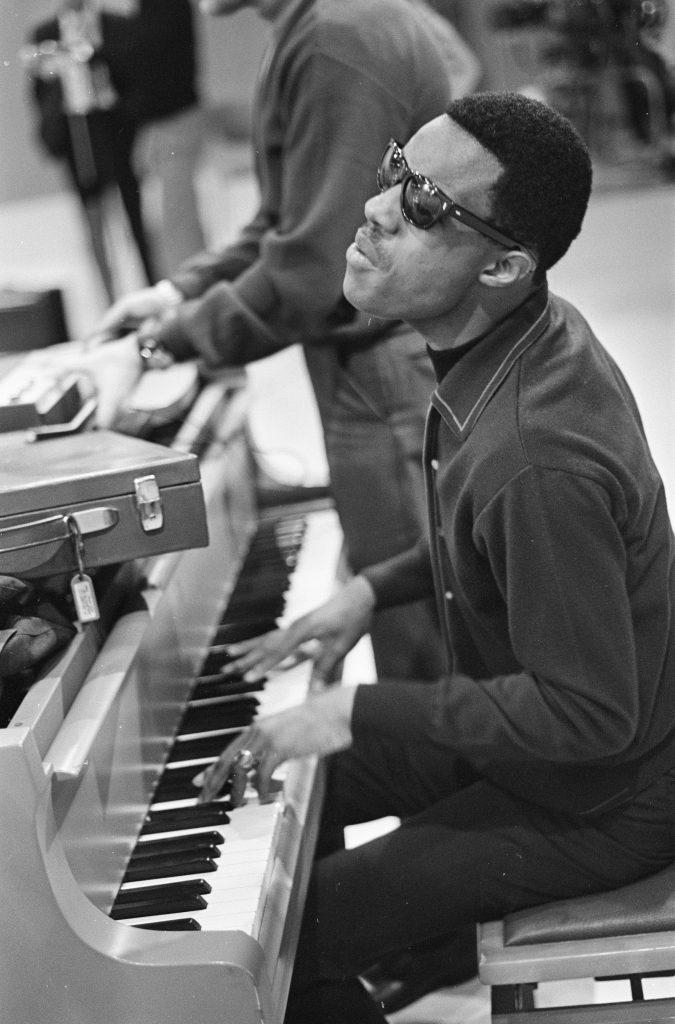 Stevie_Wonder_1967_