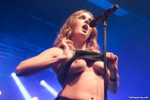 Tove-Lo-Nude-Boobs-Showing-On-Live-Stage