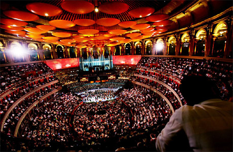 eric-clapton-70th-birthday-shows-at-royal-albert-hall-[2]-1599-p