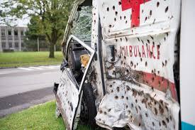 Tirer sur l'ambulance de l'infâme variété française