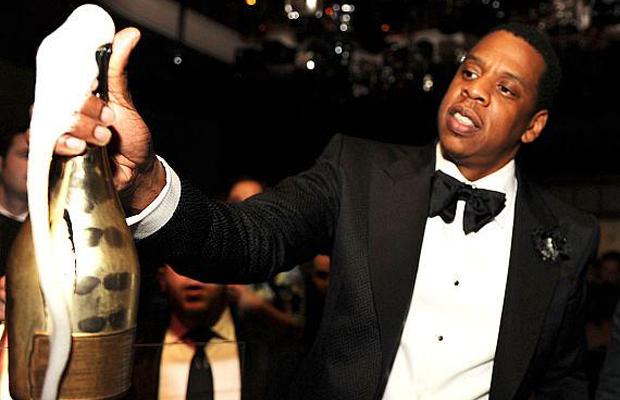 Jay-Z célèbre le racaht du champagne Armand de Brignac